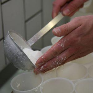 Scoop, stir + cut